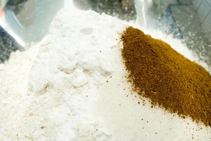 Cinnamon-Soy-Milk-Pancakes-3