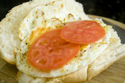 Egg Sandwich with Tomato