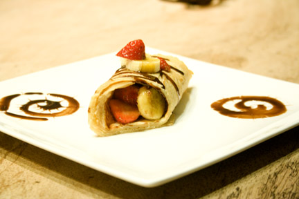 Soy Milk Cr 234 Pes With Nutella Strawberries And Bananas