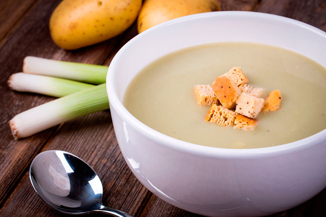 Blender-Recipes-leek-and-potato-soup